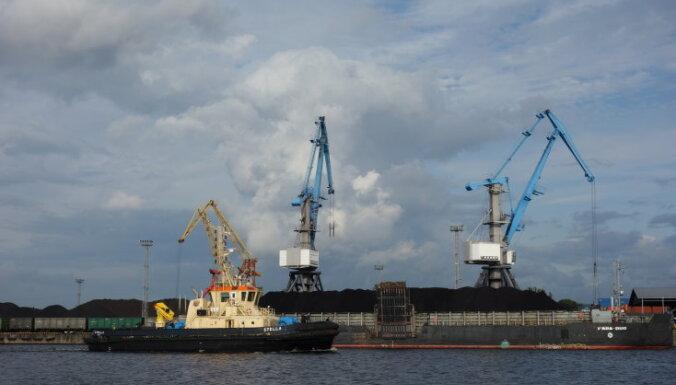 Пьяный капитан дважды посадил судно на мель в Рижском порту