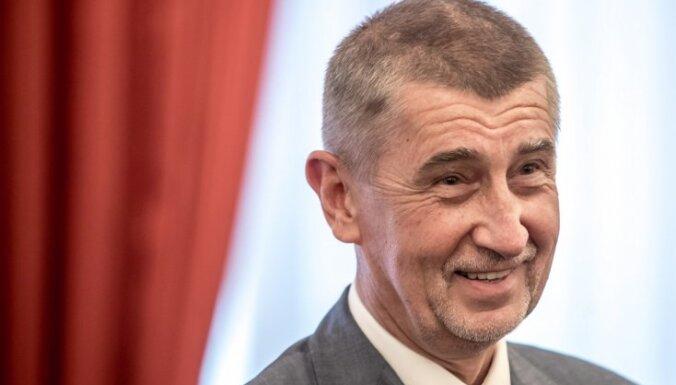 Čehijas premjers paraksta vienošanos ar komunistiem