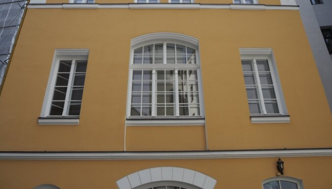 Foto: Renovētas ēkas Rīgas tēlnieka Folca bijušās darbnīcas kompleksā