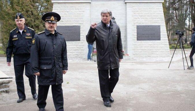 Foto: Tallinā par Krievijas naudu restaurēts nemierus izraisījušais bronzas 'Aļoša'