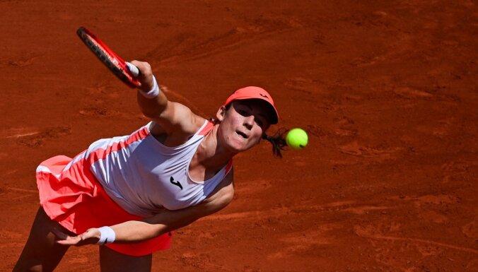 'French Open': cīņā par pirmo 'Grand Slam' pusfinālu Zidanšeka pārspēj Badosu