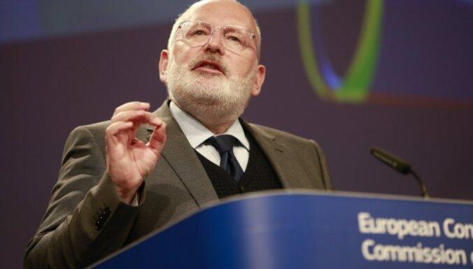 Ministriem jārīkojas Polijas lietā par iespējamajiem likuma varas pārkāpumiem, pauž Timmermanss