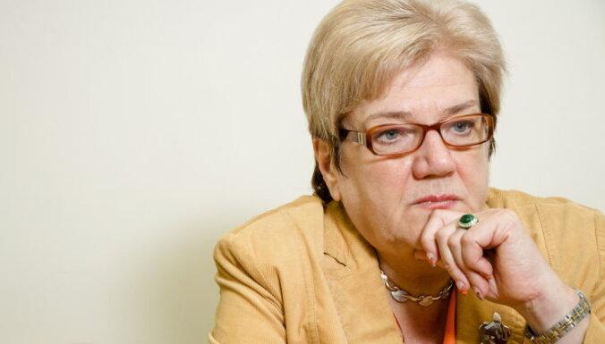 Крейтусе: Страуюма сама должна была подать в отставку