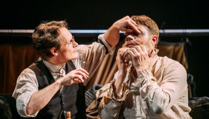 Izrādes recenzija: Ģērbēja Normana un Rolanda Beķera teātris