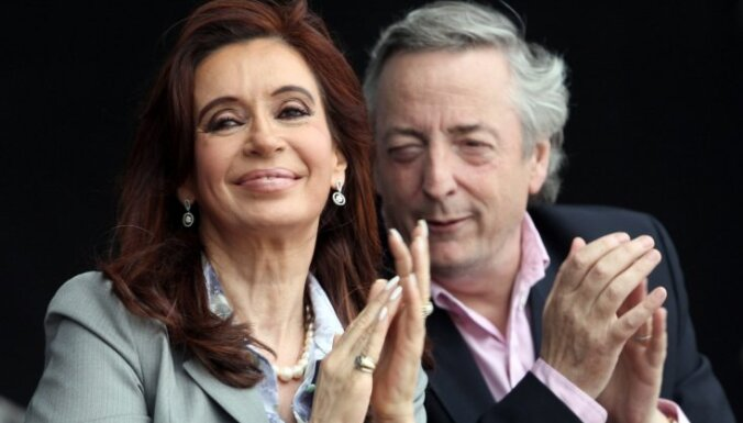 Президента Аргентины отправили в отпуск из-за травмы мозга