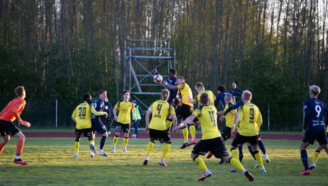 Igaunijas futbola līga atsākas ar trim viesu uzvarām
