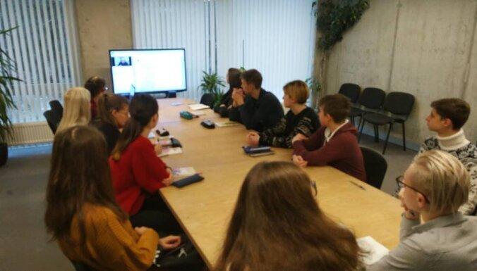 Раки на безрыбье. Как русская община пытается сохранить себя после реформы образования