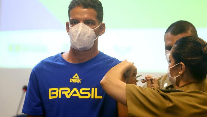 Covid-19: Vīrusa smagi skartās Brazīlijas problēmas pastiprina lēnais vakcinācijas process