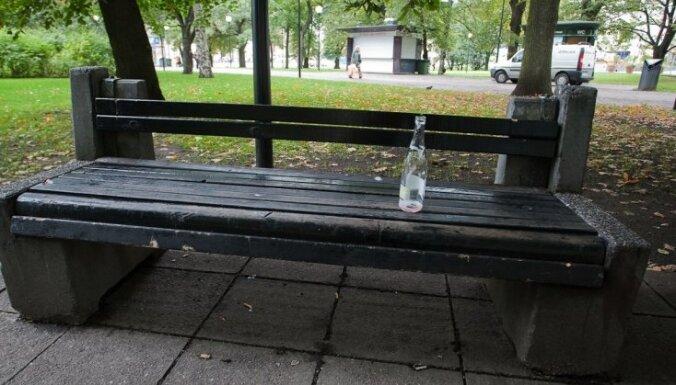 Čehijā alkohola ar metanola piejaukumu upuru skaits pieaug līdz 14