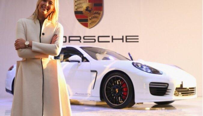 Sočos prezentēts Šarapovas personalizētais 'Porsche Panamera GTS'