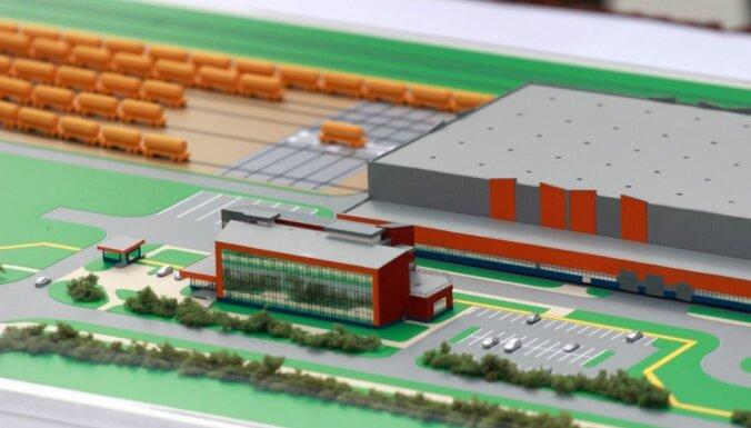 Мэр: россияне возобновят строительство вагоностроительного завода в Елгаве