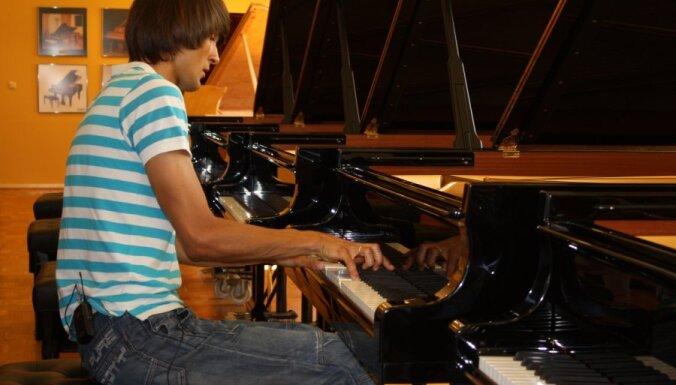 Šimkus izvēlējies flīģeļus topošajai Austrumlatvijas koncertzālei