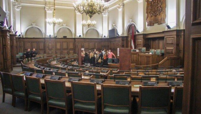 Arodbiedrība neatbalsta darba līguma uzteikšanu Saeimas Kancelejas direktoram Steinam