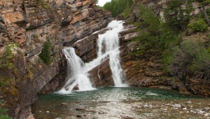 ФОТО. Канадский водопад, в котором течет красная вода