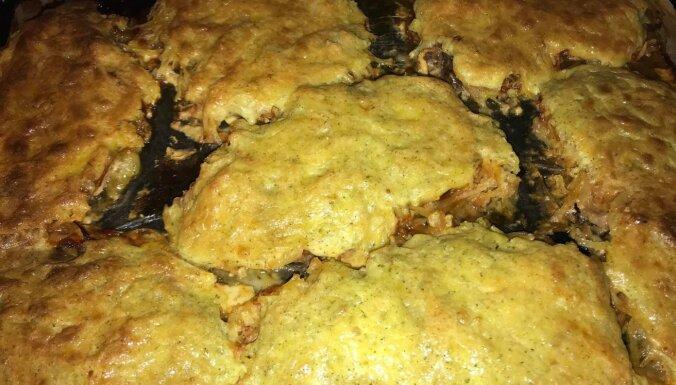 Foto recepte: Krāsnī ceptas karbonādes ar rīvētiem kartupeļiem un majonēzes mērci