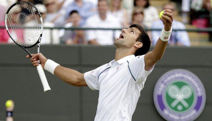 Джокович в 20-й раз обыграл Маррея и обошел Федерера по титулам на Masters