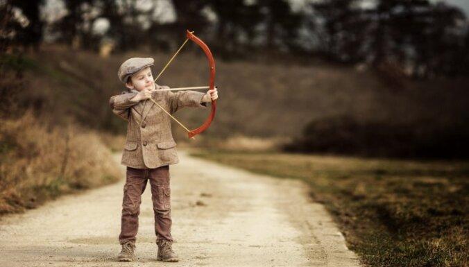 Dzīvo pie vecākiem un nestrādā – trīs paņēmieni, kā palīdzēt 'slinkajam' pieaugušajam bērnam