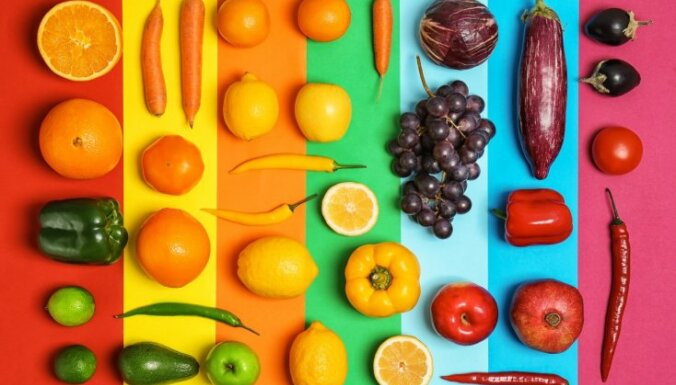 Pazaudētie vitamīni: 11 augļi un dārzeņi, kurus ēdam nepareizi, skādējot organismam