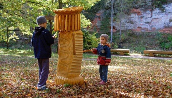 Mazsalacā top jauna skulptūru taka; daži objekti jau apskatāmi Skaņajā kalnā
