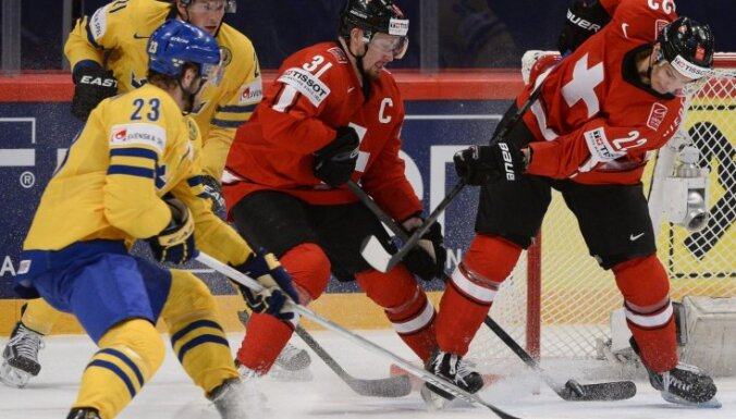 Šveices hokejisti apbēdina PČ mājinieci Zviedriju