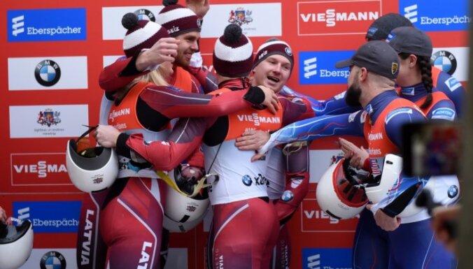 Latvijas kamaniņu sportisti Siguldā triumfē Pasaules kausa posma stafetē