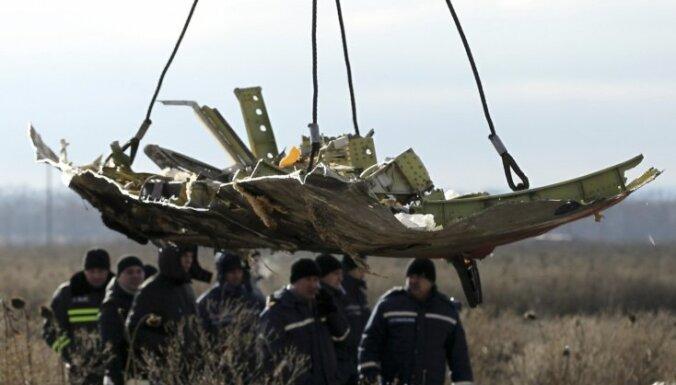 Nīderlandē no atlūzām rekonstruēs Ukrainā notriektā MH17 vraku
