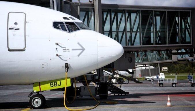 Самолет аirBaltic прервал полет еще на ВПП