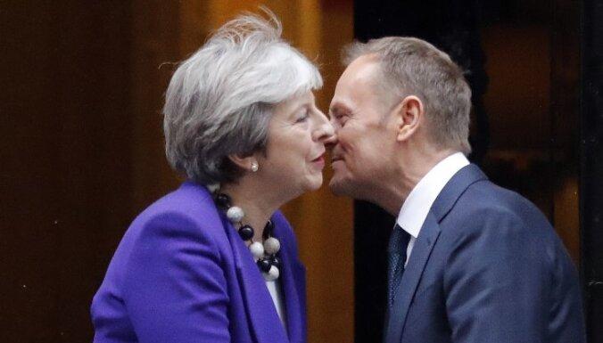 """""""Времени почти нет"""". Реакция ЕС на провал договора о """"брекзите"""""""