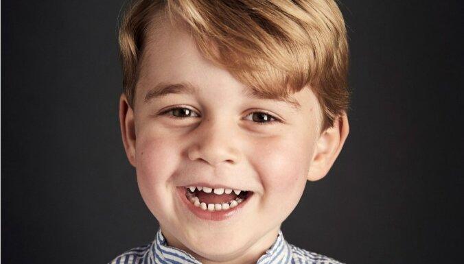 Britu karaļnams mazā prinča jubilejā publisko mīlīgu foto