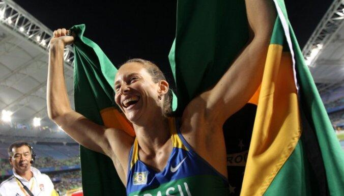 Brazīliete Murere izcīna pasaules čempiones titulu kārtslēkšanā, Isinbajeva paliek sestā