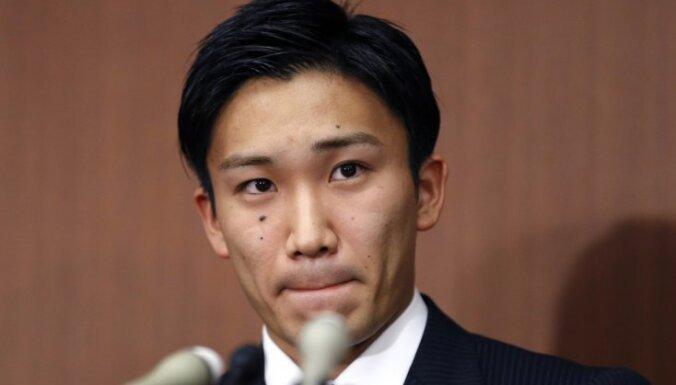 Japānas badmintona zvaigzne Momota atveseļojies pēc janvārī piedzīvotās autoavārijas