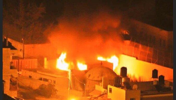 Палестинцы подожгли иудейскую святыню - гробницу Иосифа