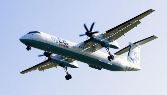 'Virgin Atlantic' vadīts konsorcijs iegādāsies Lielbritānijas zemo cenu aviokompāniju 'Flybe'