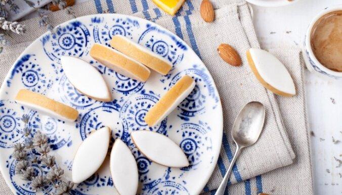 Klasiskās franču marcipāna konfektes ar cukura glazūru