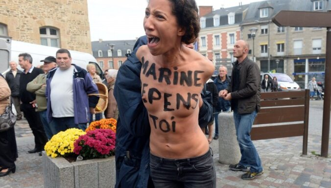 Femen атаковали французского политика Марин Ле Пен