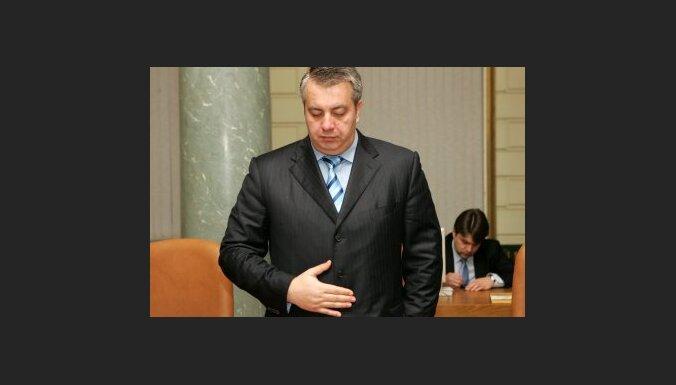 Raidījums: TP varētu zaudēt ministrus Veldri un Slakteri