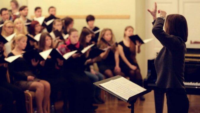 Vītola diriģentu konkursa pusfinālā iekļūst četri latvieši