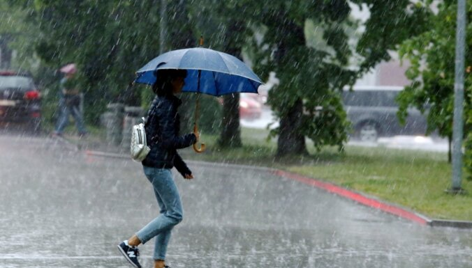 Dzeltenais brīdinājums: Latvijas austrumos gaidāms pērkona negaiss