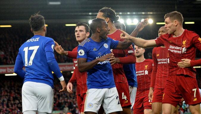 """ВИДЕО: Футболисты """"Ливерпуля"""" и """"Лестера"""" устроили массовую потасовку"""