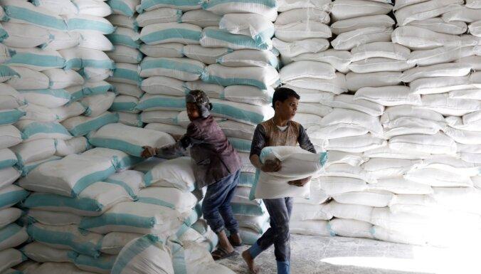 Konflikts Jemenā: ASV draud pārtraukt palīdzības piegādi nemiernieku kontrolētajām teritorijām