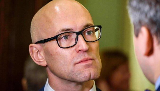 Павлютс надеется, что правительство рассмотрит реформу зарплат медиков в четверг