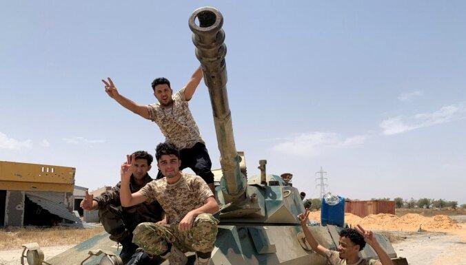 ANO atzītās valdības spēki sola atgūt kontroli pār Lībijas austrumiem