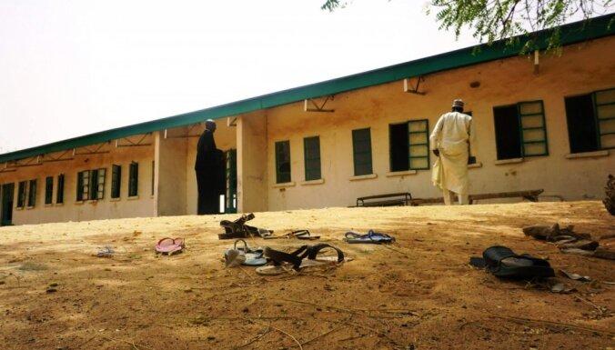Pēc 'Boko Haram' iebrukuma skolā Nigērijā pazūd vairāk nekā 100 meitenes