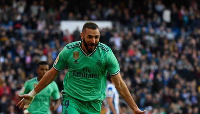 Madrides 'Real' izcīna uzvaru un uz brīdi pārņem līderpozīcijas Spānijas čempionātā