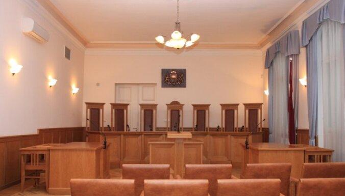 Politiķi vēl nesteidz virzīt ST tiesneša kandidatūras