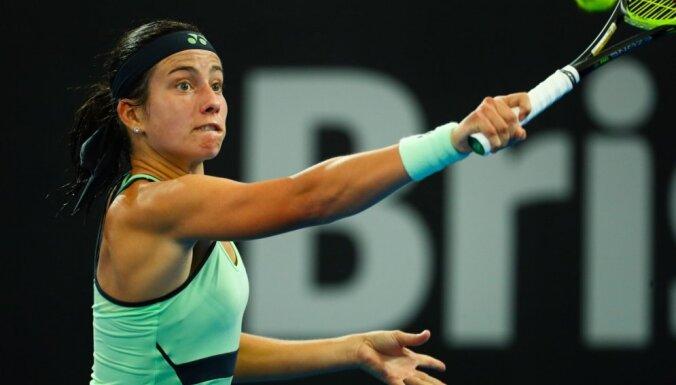 Sevastova Dohas WTA 'Premier' astotdaļfinālā piekāpjas Halepai