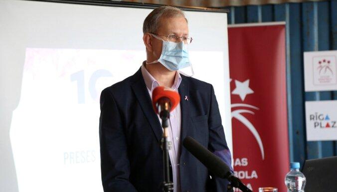 Onkologs mudina lielāku uzmanību pievērst cīņai pret ļaundabīgiem audzējiem