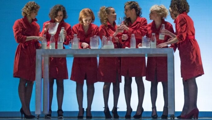 Fotoreportāža: 'Ziedonis. Lācis. Sievietes' Dailes teātrī