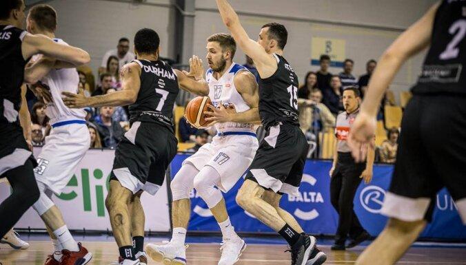 'VEF Rīga' basketbolisti nonāk vienas uzvaras attālumā no LBL fināla