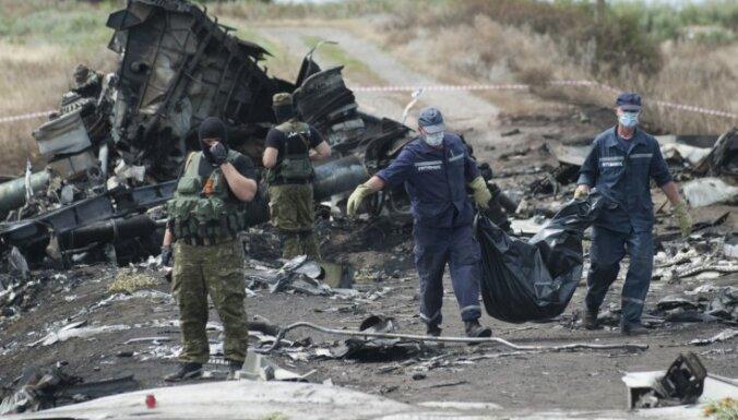 Kijeva: Malaizijas lidmašīna nav notriekta, šaujot no Ukrainas armijai nolaupīta zenītraķešu kompleksa
